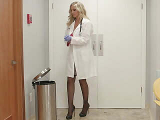 Big tit milf doctor julia ann fucks her new nurse with big naturals gabi