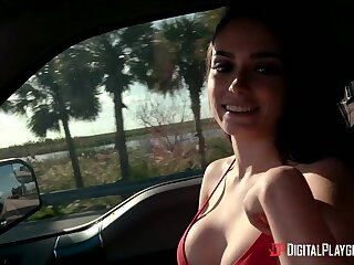 Overrefined curvy babe Ashley Anderson fucks doggy in be passed on car