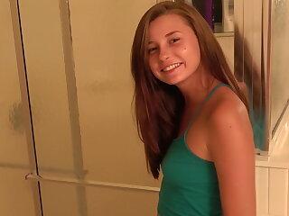 Carolina sweetmeats teen bj fresh from slay rub elbows with shower