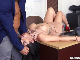 Hot desk fuck in dramatize expunge office for lovely gal Kitty Caprice